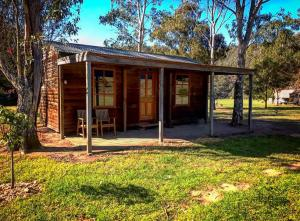 Montana on the Macalister Caravan Park and Camp Ground Cabin
